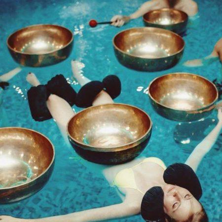 В City Retreat Club состоится уникальное мероприятие – практика с тибетскими чашами в воде!